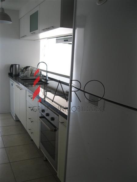 apartamento en brava 3 dormitorios y servicio, terraza con jacuzzi y parrillero- ref: 32803