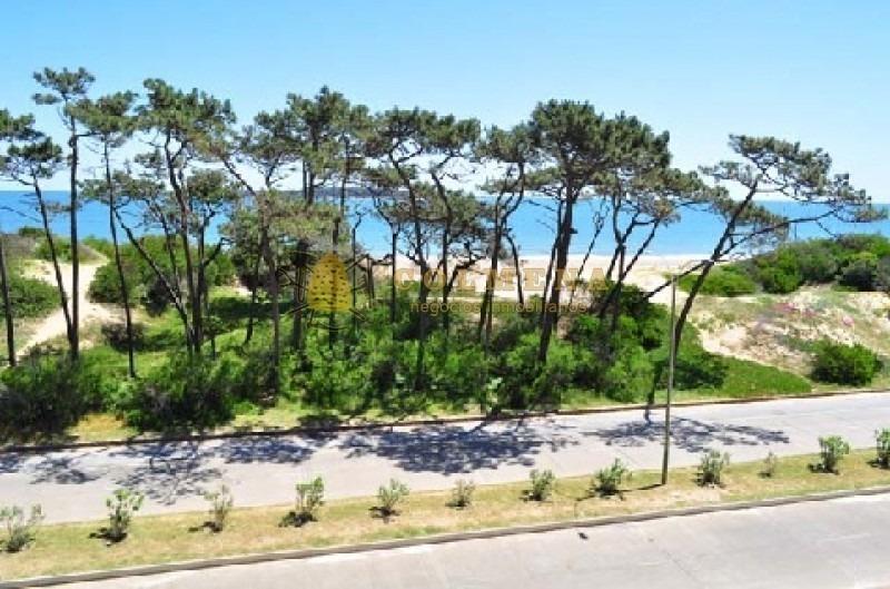 apartamento en la 10 de la mansa reciclado de 2 dormitorios 2 baños con amplia terraza con vista frente al mar. consulte !!!!!!!!-ref:1634