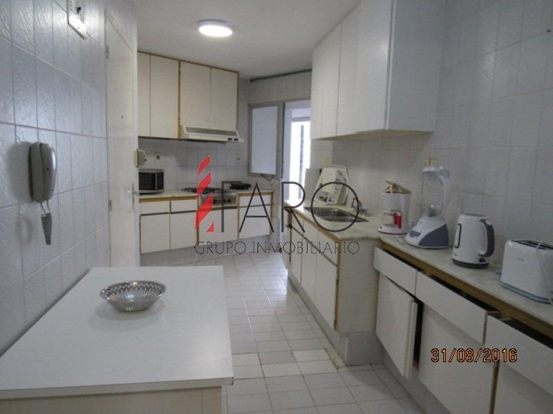 apartamento en la brava 2 dormitorios y dependencia, con garage-ref:33019
