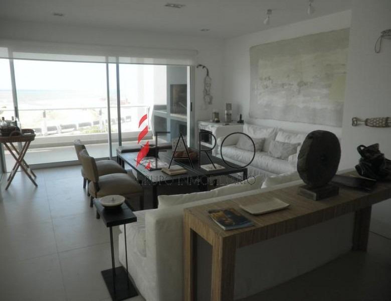 apartamento en la brava 3 dormitorios con parrillero y balcón-ref:32825