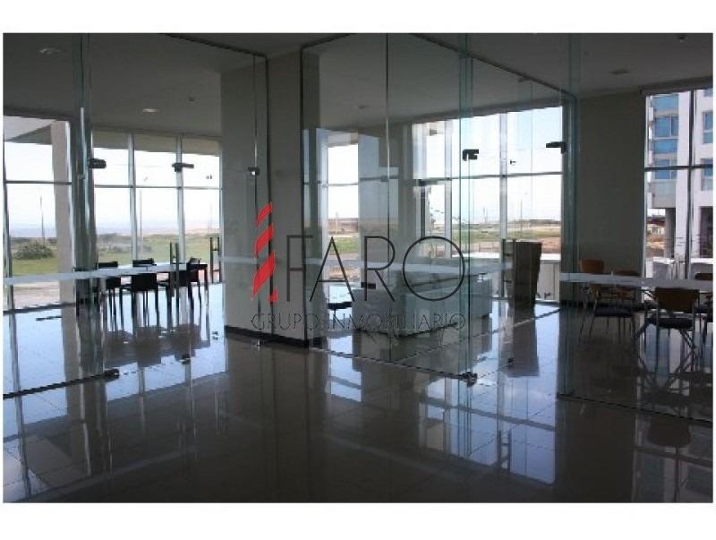 apartamento en la brava 3 dormitorios en edificio con amenities-ref:33014