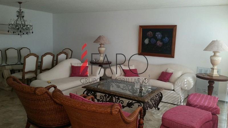 apartamento en la mansa 3 dormitorios y servicio con terraza cerrada y garage- ref: 36187