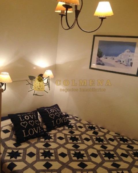 apartamento en la peninsula de monoambiente muy bien ubicado a 1 cuadra de gorlero y a 1 cuadra de la playa. consulte!!!!!!- ref: 1589