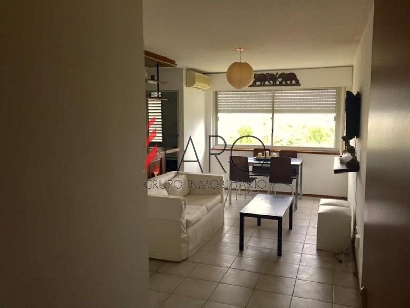 apartamento en maldonado 2 dormitorios con cochera- ref: 36170