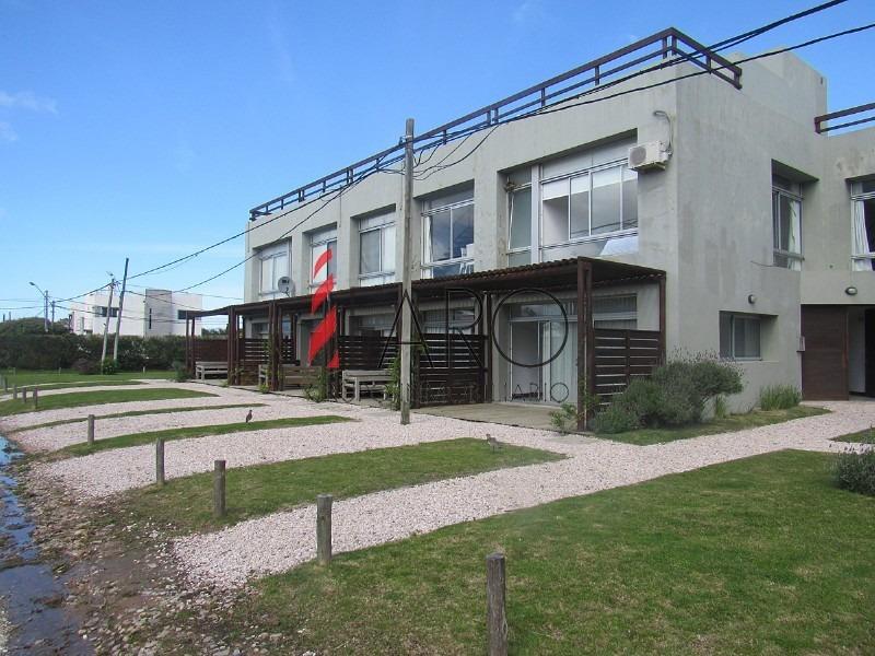 apartamento en manantiales 2 dormitorios 2 baños con azotea con parrillero-ref:35899