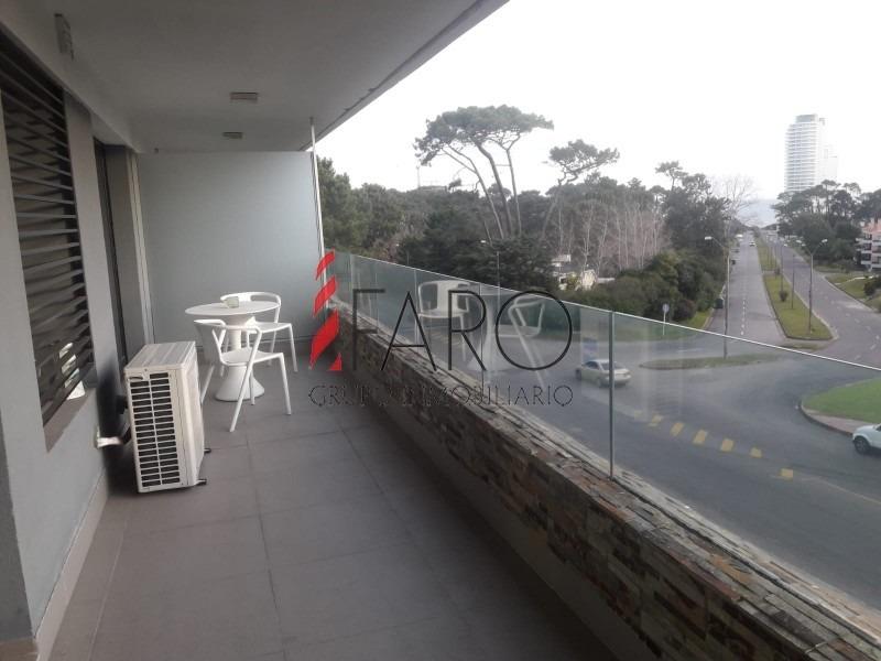 apartamento en mansa 1 dormitorio con terraza en alquiler anual-ref:36797