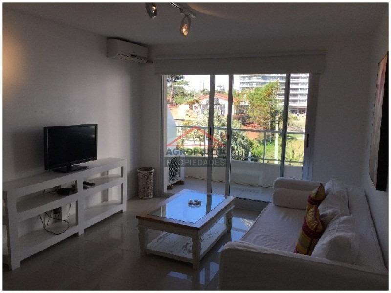 apartamento en mansa, 2 dormitorios *-ref:1393
