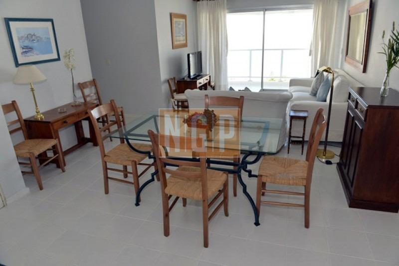 apartamento en mansa, 2 dormitorios *-ref:1600