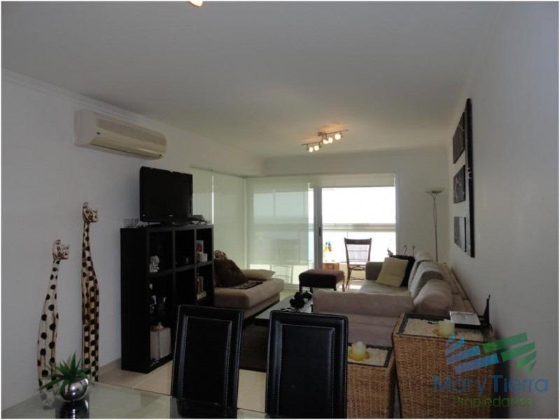 apartamento en mansa, 2 dormitorios *-ref:44