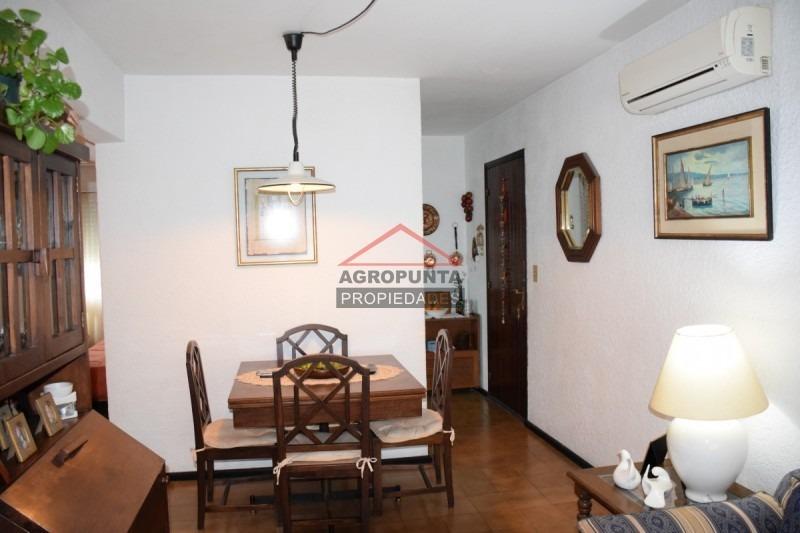 apartamento en mansa, 2 dormitorios *-ref:71