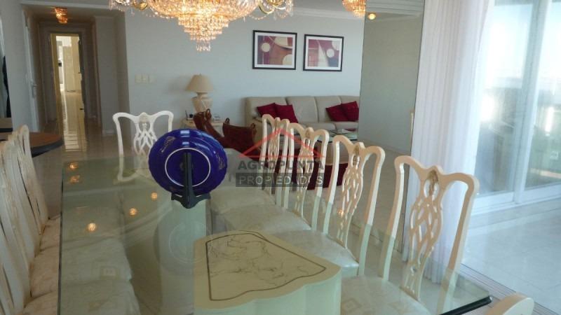 apartamento en mansa, 3 dormitorios *-ref:1287