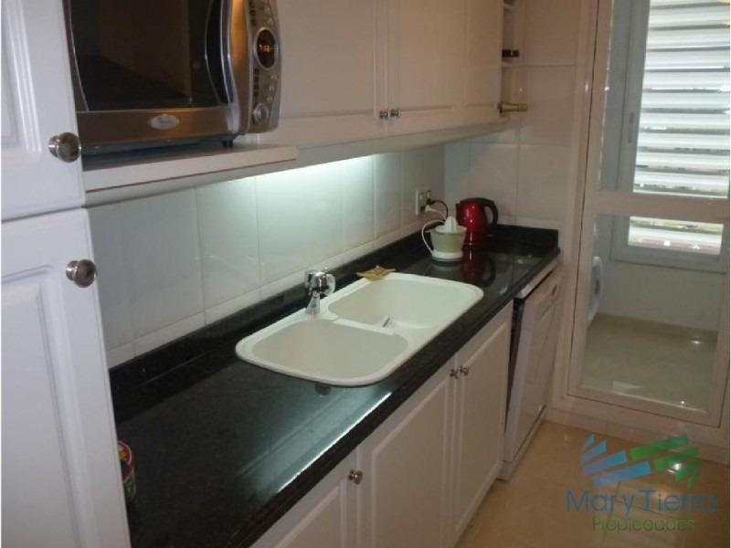 apartamento en mansa, 3 dormitorios *-ref:1401