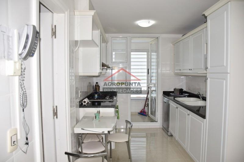 apartamento en mansa, 3 dormitorios *-ref:1416