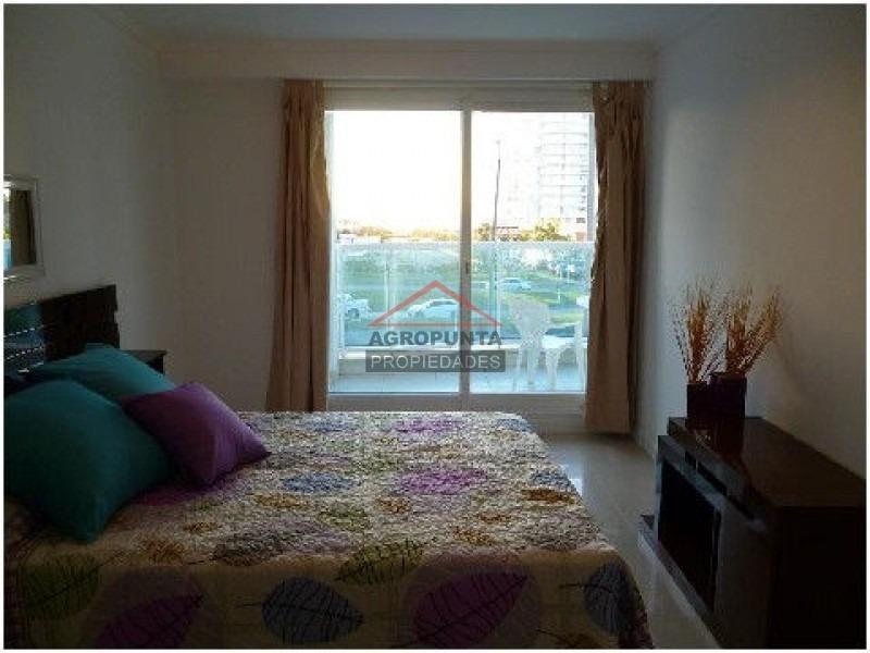 apartamento en mansa, 3 dormitorios *-ref:1886