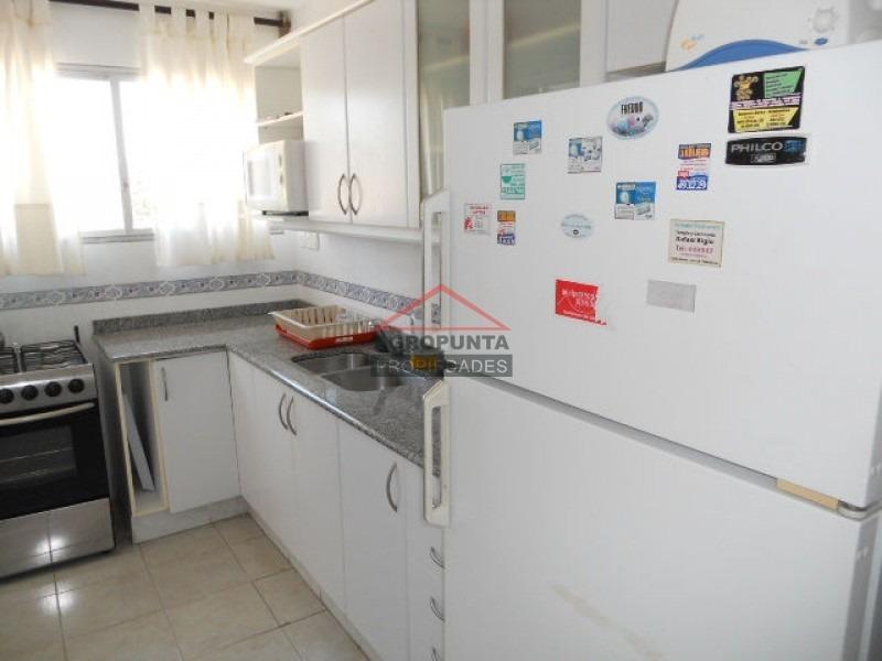 apartamento en mansa, 3 dormitorios *-ref:746