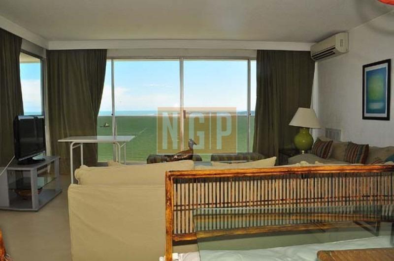 apartamento en mansa, 3 dormitorios  -ref:9225