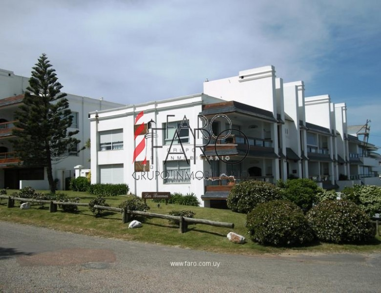 apartamento en montoya 3 dormitorios con parrillero y garage-ref:32634