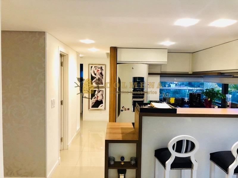 apartamento en muy buen edificio en la brava, cuenta con 2 dor, 2 baños, buen balcon y garaje. consulte!!!!!!!!- ref: 2289