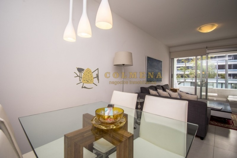 apartamento en muy buena ubicacion, cerca del puerto de 1 dor, 1 baños, balcon y garaje con linda vista. consulte!!!!!!!- ref: 1823