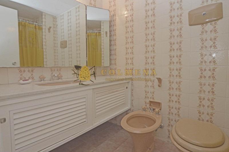 apartamento en muy buena ubicacion, de 3 dor, 3 baños mas dependencia de servicio cuenta con parrillero - consulte !!!!!-ref:1534