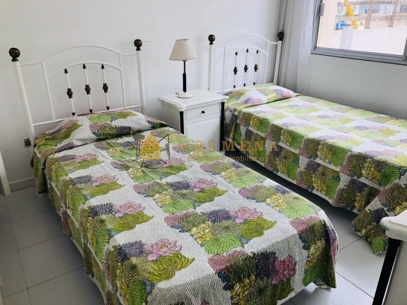 apartamento en muy buena ubicacion, de 3 dor, 3 baños y terraza techada con churrasquera con linda vista, en peninsula. consulte!!!!!!-ref:1340
