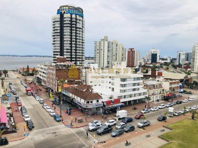 apartamento en muy buena ubicacion de esquina en peninsula, de 3 dor, 2 baños mas 1 toilete con excelente vista.- ref: 1361