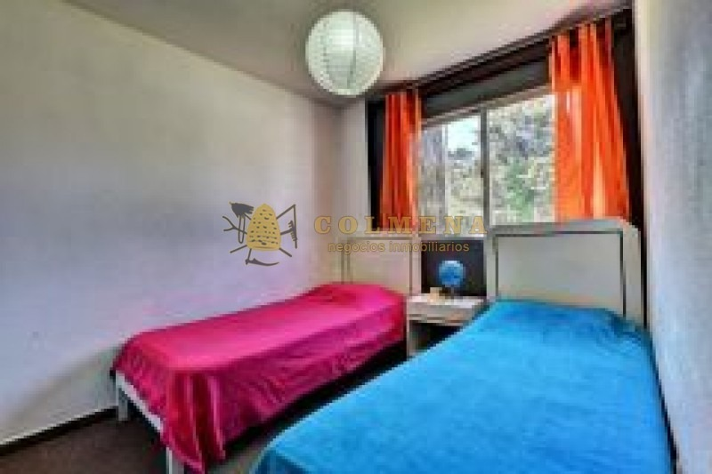 apartamento en muy buena ubicacion en apvenida italia, de 3 dor, 2 baños, terraza y garaje. consulte!!!!!!!!- ref: 2032