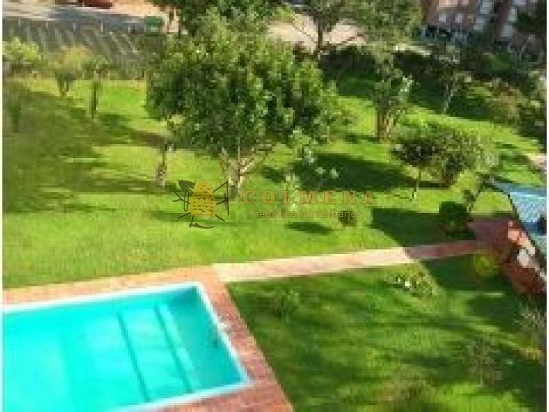 apartamento en muy buena ubicacion en apvenida italia, de 3 dor, 2 baños, terraza y garaje. consulte!!!!!!!!-ref:2032