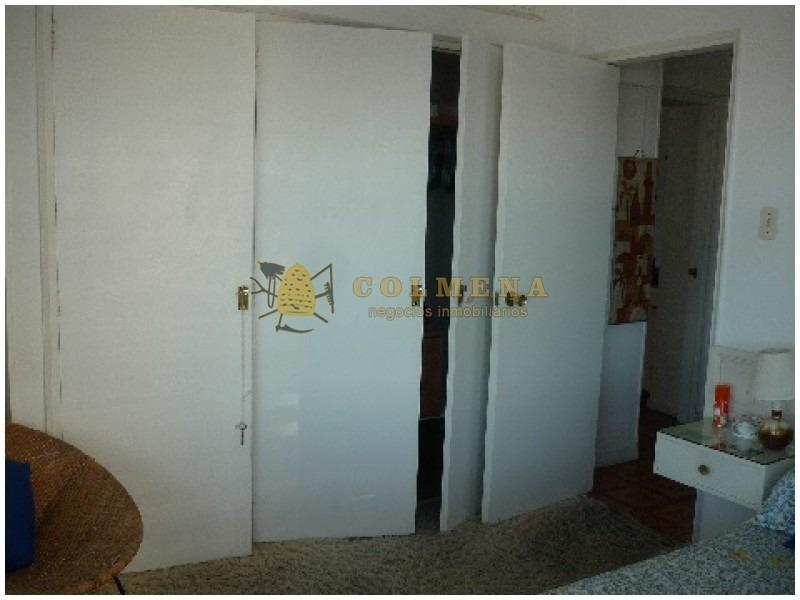apartamento en muy buena ubicacion en la peninsula, de 2 dor, 2 baños linda vista al puerto. consulte!!!!!!!- ref: 1818