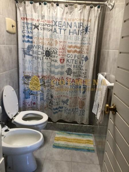 apartamento en muy buena ubicacion en manantiales, de 3 dor, 2 baños mas toilete, 2 terrazas y garaje. consulte!!!!!!!!- ref: 2256