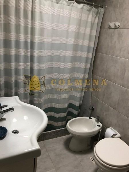 apartamento en muy buena ubicacion en manantiales, de 3 dor, 2 baños mas toilete, 2 terrazas y garaje. consulte!!!!!!!!-ref:2256