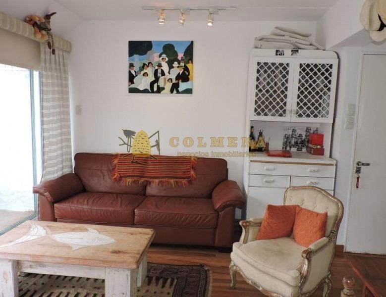 apartamento en muy buena ubicación en peninsula cerca de la rambla de la mansa y cerca de la calle 20.-ref:2229