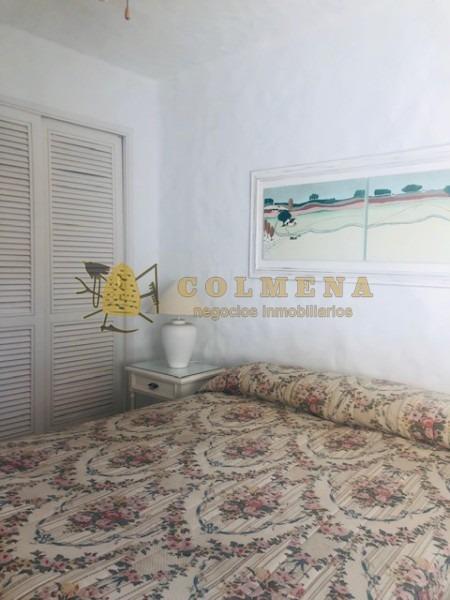 apartamento en muy buena ubicacion en peninsula de 1 dor y medio, 1 baños y cochera techada. consulte!!!!-ref:1827