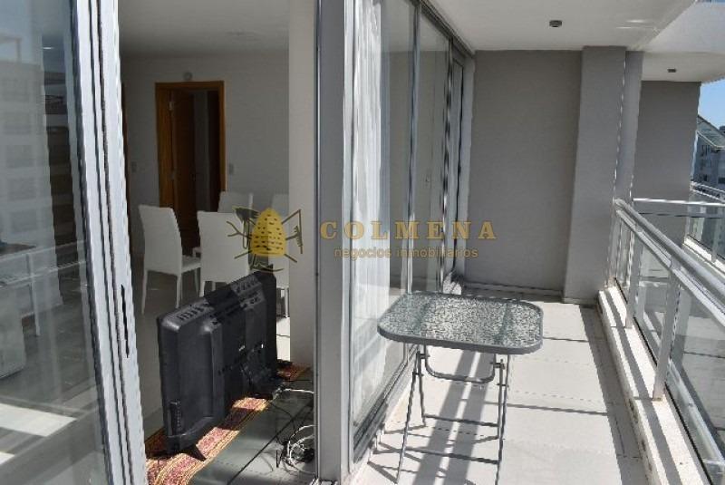 apartamento en muy buena ubicacion, en roosevelt de 2 dor, 2 baños, balcon y garaje con linda vista. consulte!!!!!-ref:1796