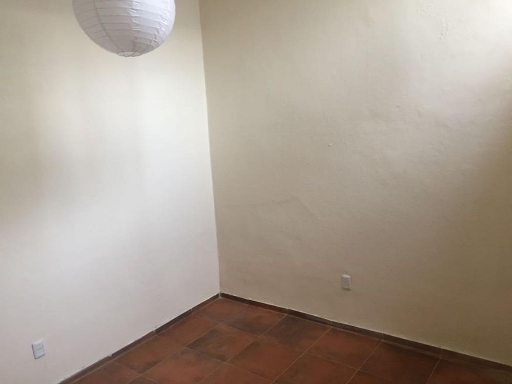 apartamento en planta baja, 1 dormitorio, baño, cocina