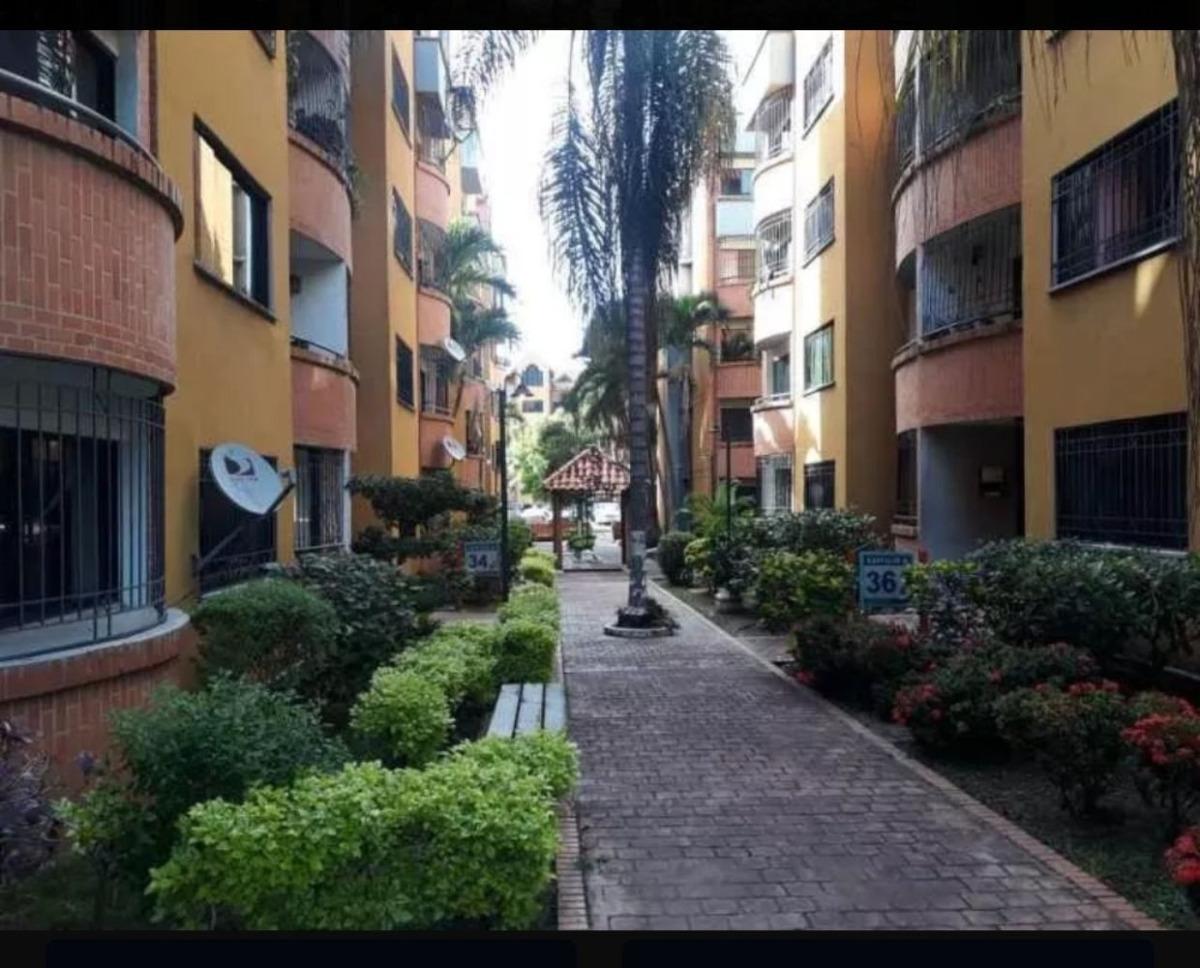 apartamento en poblados de san diego, excelente oportunidad