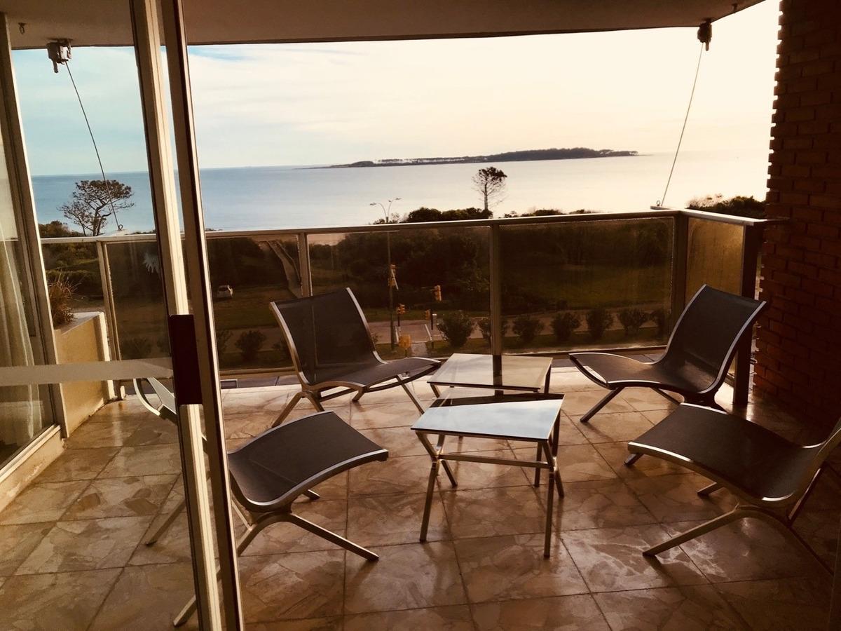 apartamento en primera línea playa mansa punta del este