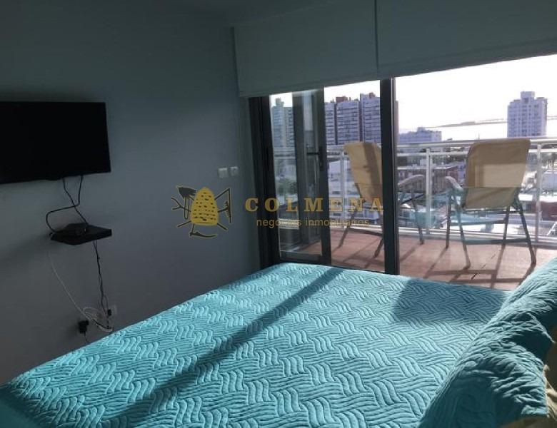apartamento en punta del este de 1 dormitorio, 1 medio dormitorio con balcon. excelente vista mansa.-ref:1062