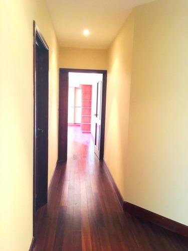 apartamento en renta zona 10 / oakland