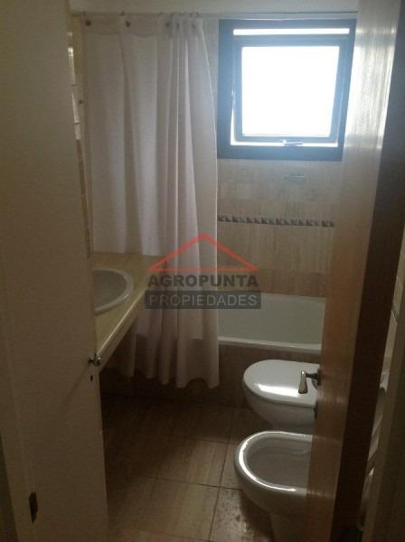 apartamento en rincã³n del indio, 3 dormitorios *-ref:1841