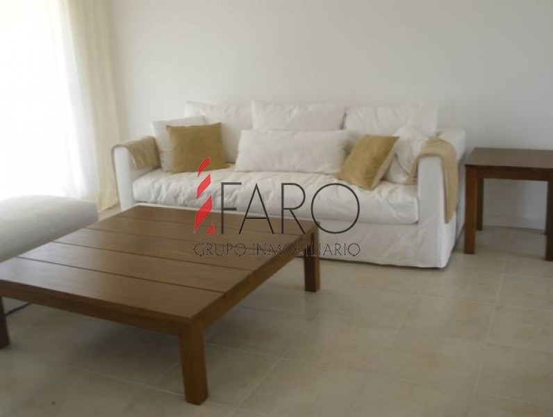 apartamento en rincón del indio, 3 dormitorios y dependencia-ref:33955