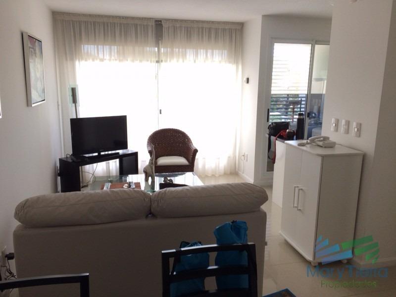 apartamento en roosevelt, 1 dormitorios *-ref:119