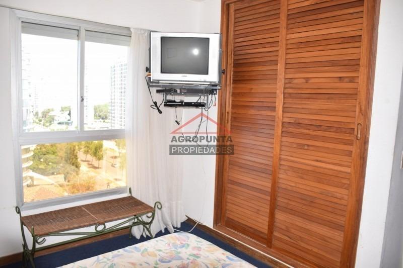 apartamento en roosevelt, 2 dormitorios *-ref:2624