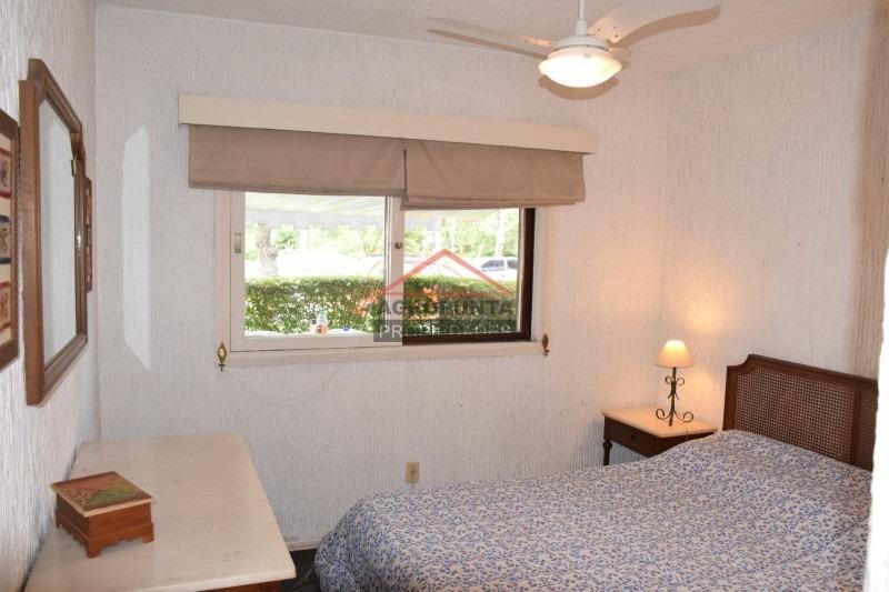 apartamento en roosevelt, 2 dormitorios *-ref:4800