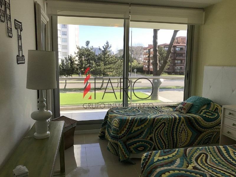 apartamento en roosevelt 3 dormitorios con terraza- ref: 36179