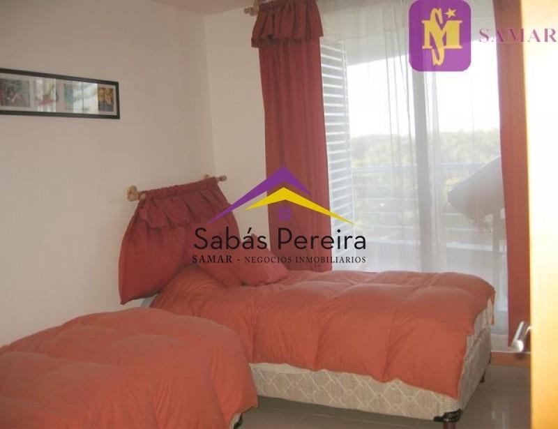 apartamento en roosevelt, 3 dormitorios *- ref: 37873