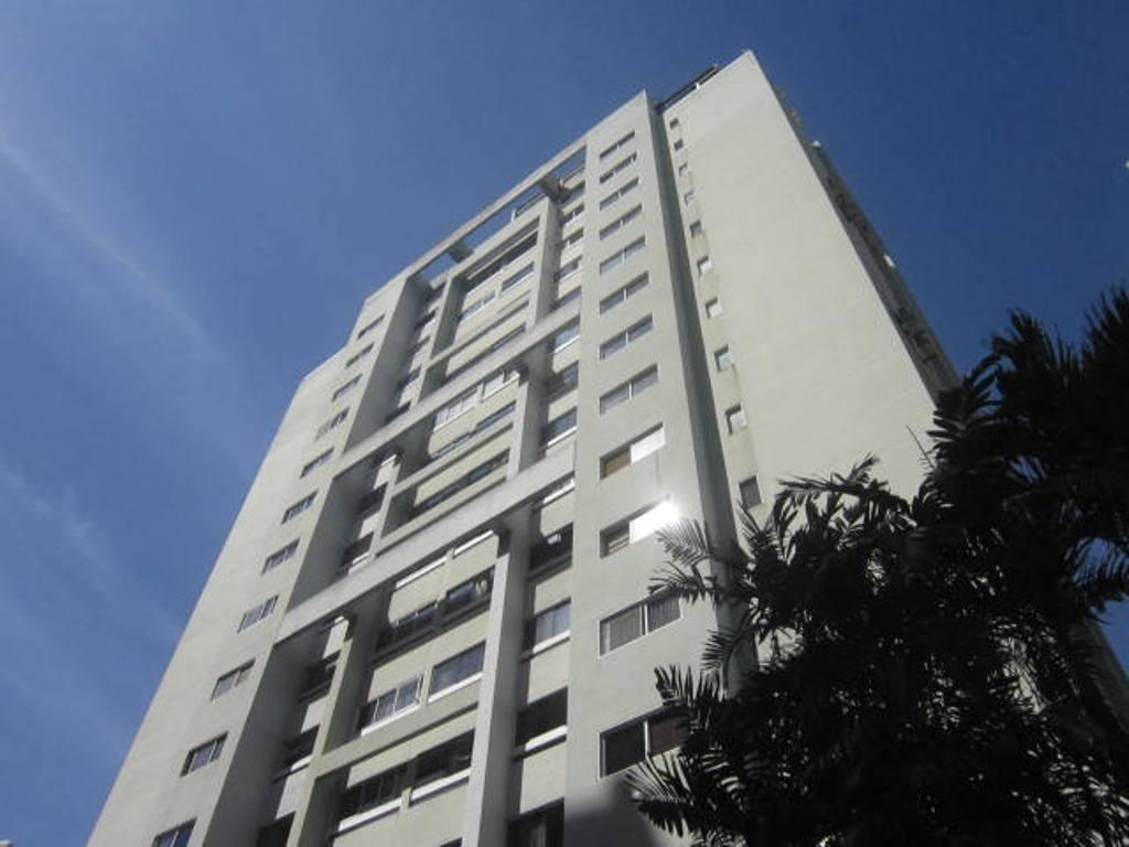 apartamento en venta 18-13069 yolimar benshimol 04246157978