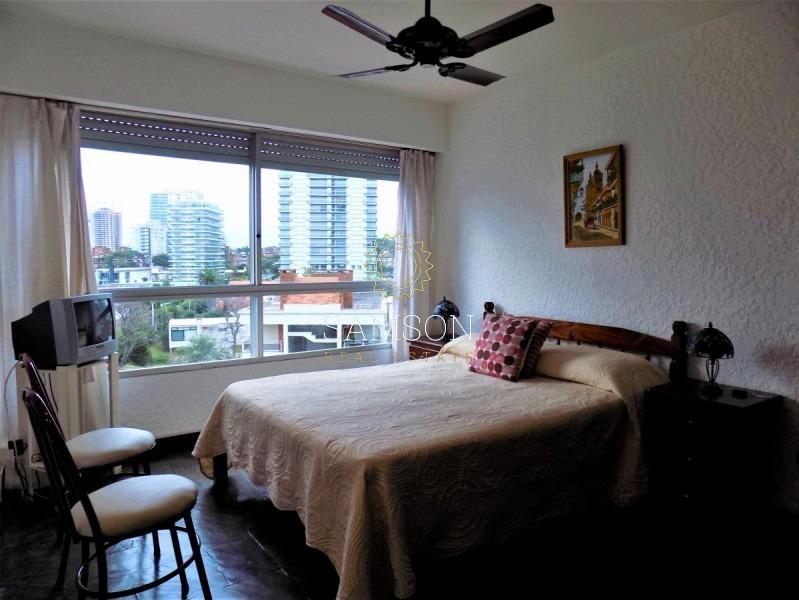 apartamento en venta, a metros del mar, punta del este- ref: 76