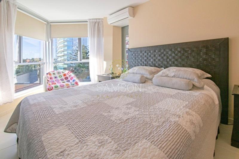 apartamento en venta  a metros del mar season tower punta del este- ref: 55063