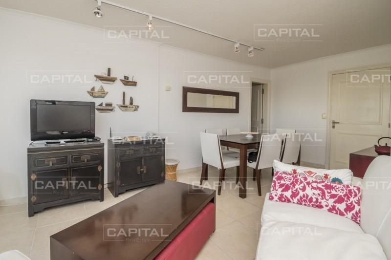 apartamento en venta a pasos de la playa brava con vista al mar- ref: 28473